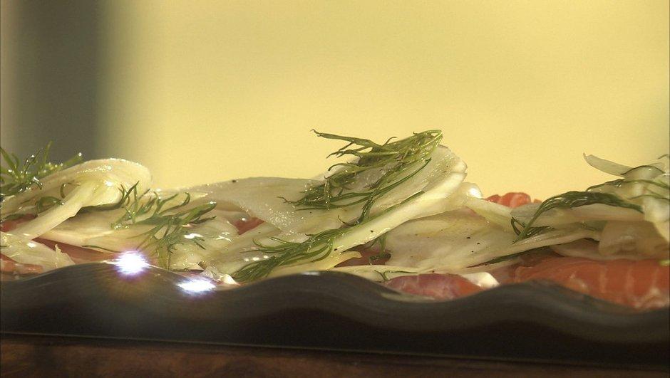 Escalopes de saumon cru au fenouil et crème au gingembre