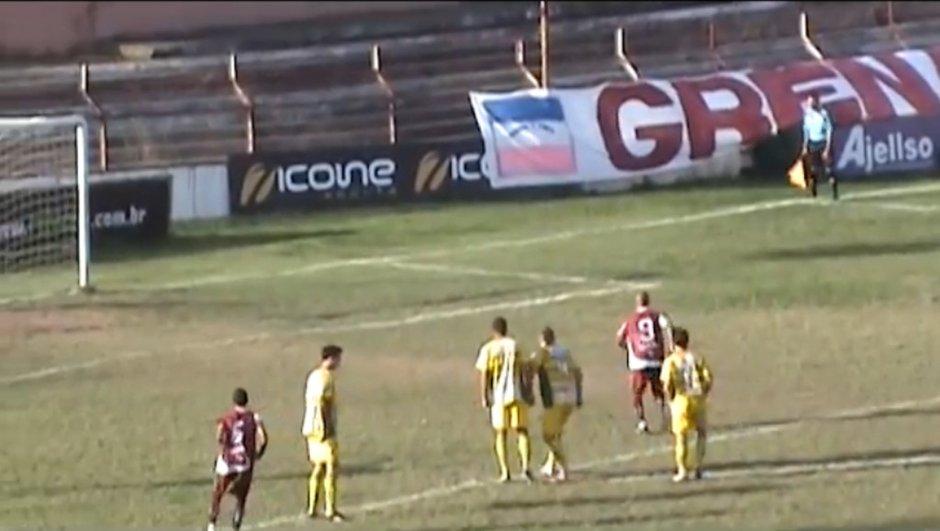 insolite-4-penaltys-rates-un-match-video-5731077