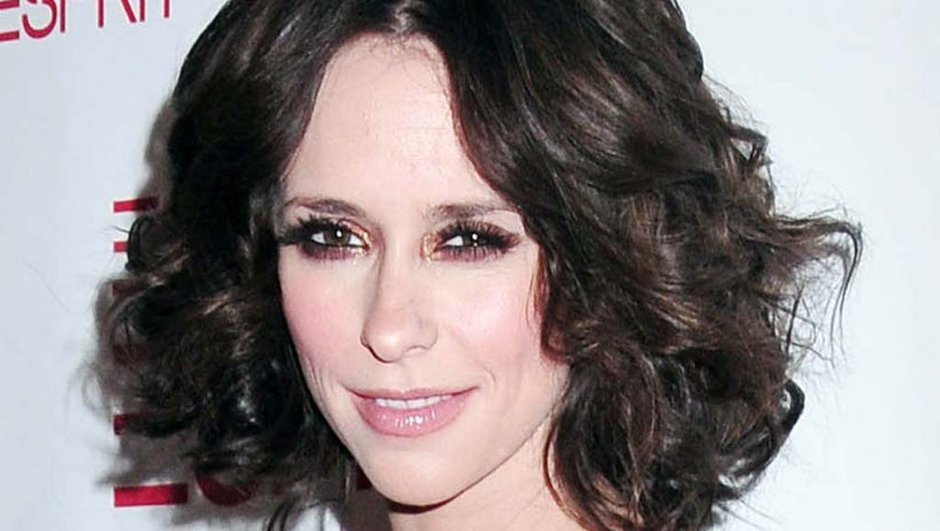 Regardez la jolie coupe au carré de Jennifer Love Hewitt