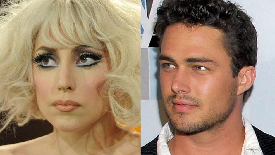 """Lady Gaga : son petit ami la supplie d'être """"normale"""""""