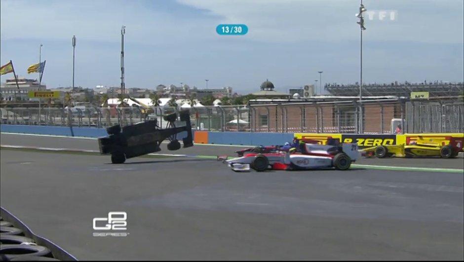 Vidéo : l'accident de Crestani en GP2 à Valence