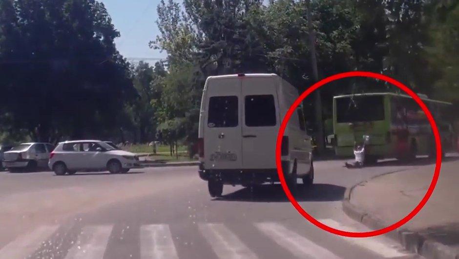 Insolite : Tracté et écrasé, voici le Terminator ukrainien !