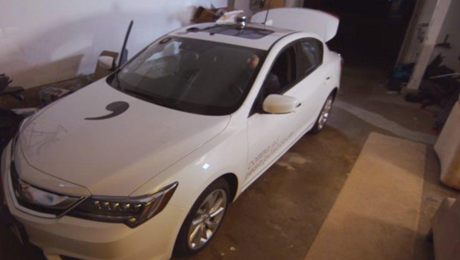 """Le hacker """"GeoHot"""" a fabriqué une voiture autonome dans son garage"""
