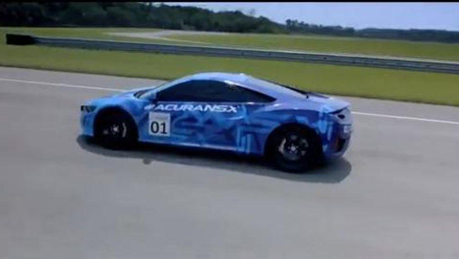 Premiers tours de piste pour la Honda Acura NSX à Mid-Ohio