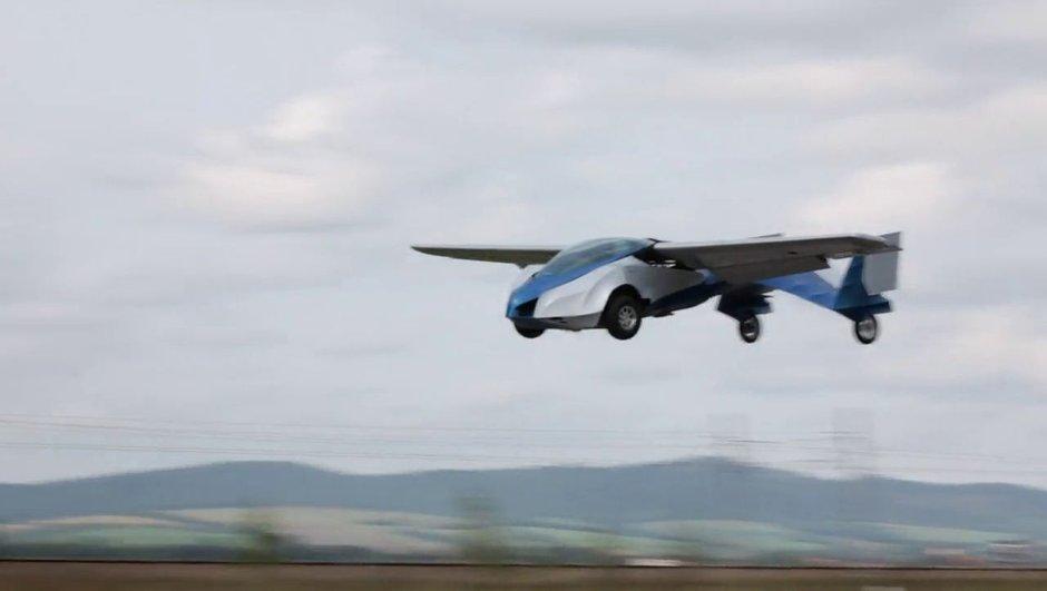 video-insolite-aeromobil-voiture-volante-venue-de-slovaquie-8714313