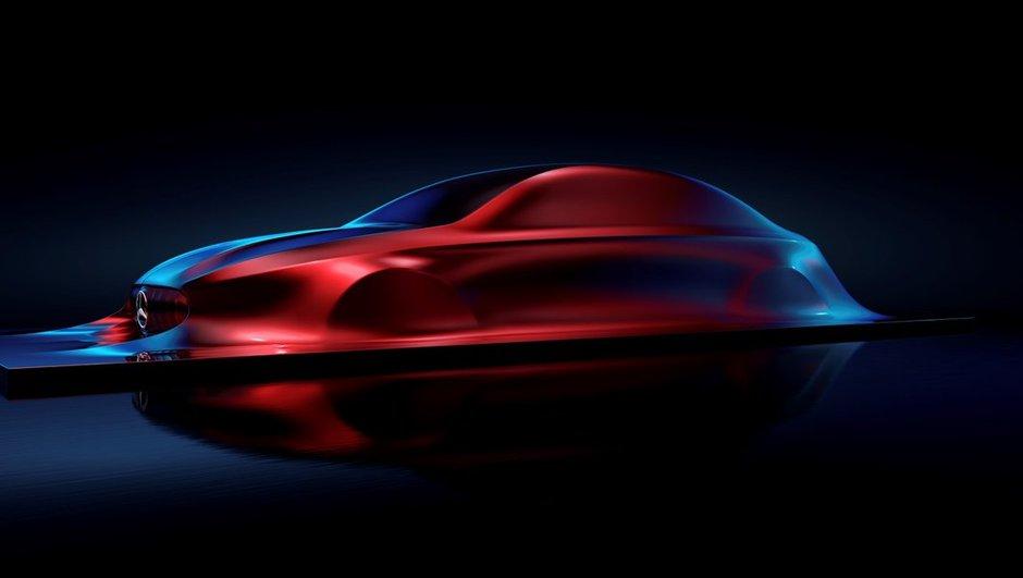 """Mercedes-Benz donne un avant-goût de la future Classe A via une scuplture """"Aesthetics A"""""""