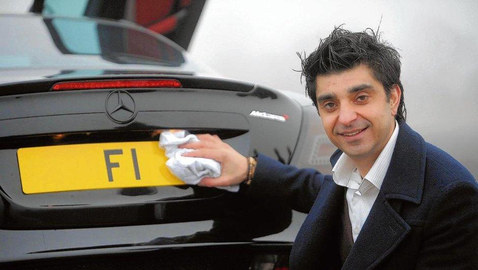 """Insolite : il vend sa plaque """"F1"""" pour 12,5 millions d'euros !"""