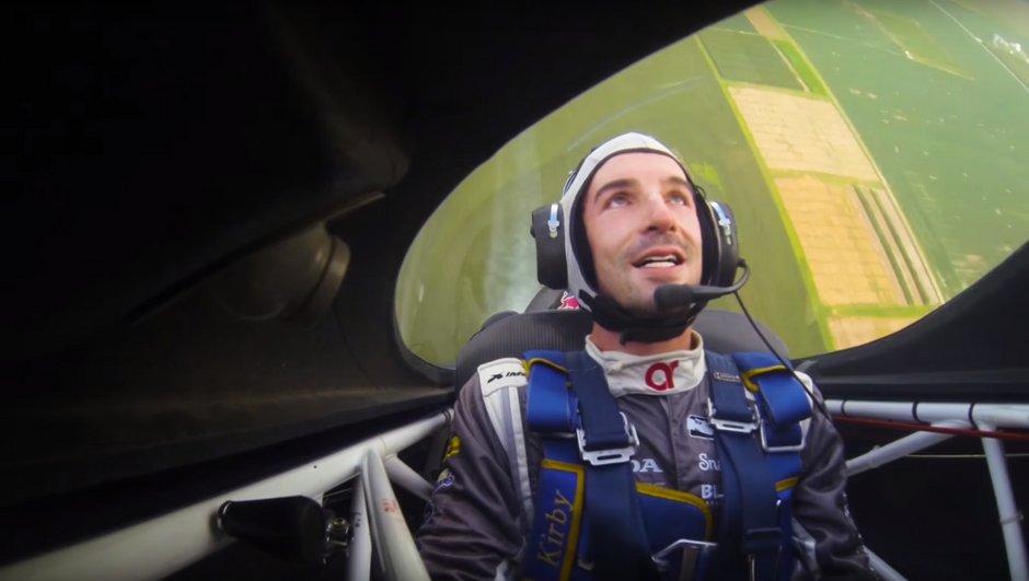 Insolite : Alexander Rossi devient pilote de voltige (et inquiet)