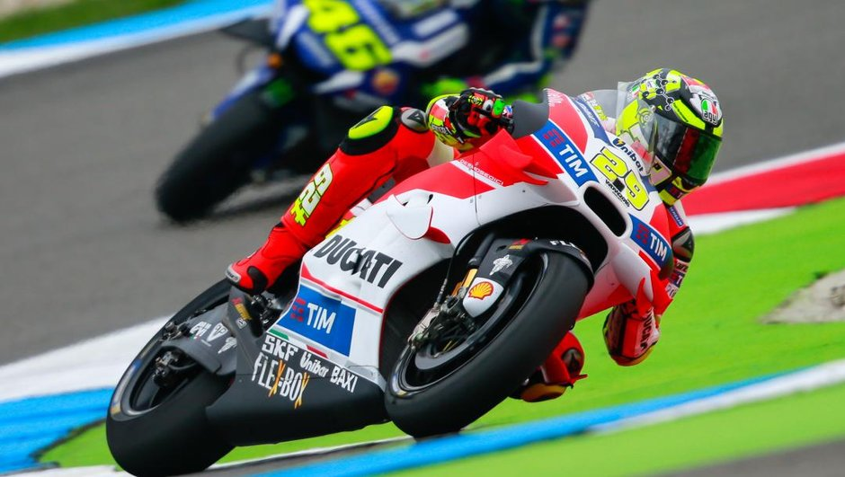 Moto GP – Andrea Iannone : « Rossi est le meilleur pilote du monde »