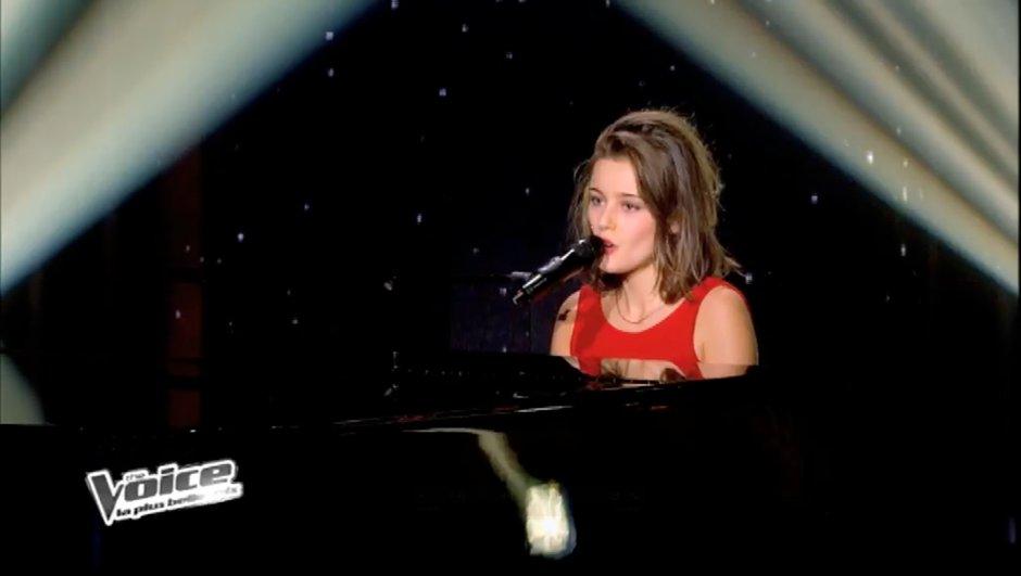 """The Voice : Angelina Wismes tel un ange avec """"Mon enfance"""" de Barbara"""