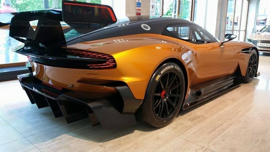 Aston Martin Vulcan : bientôt une version de route ?