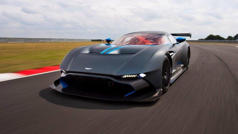 Vidéo : L'Aston Martin Vulcan sur piste !