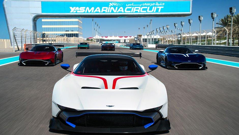 L'Aston Martin Vulcan débarque sur le circuit de Yas Marina