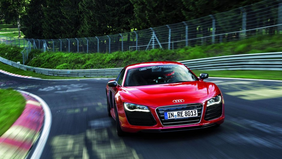 video-audi-r8-e-tron-nuerburgring-3997388
