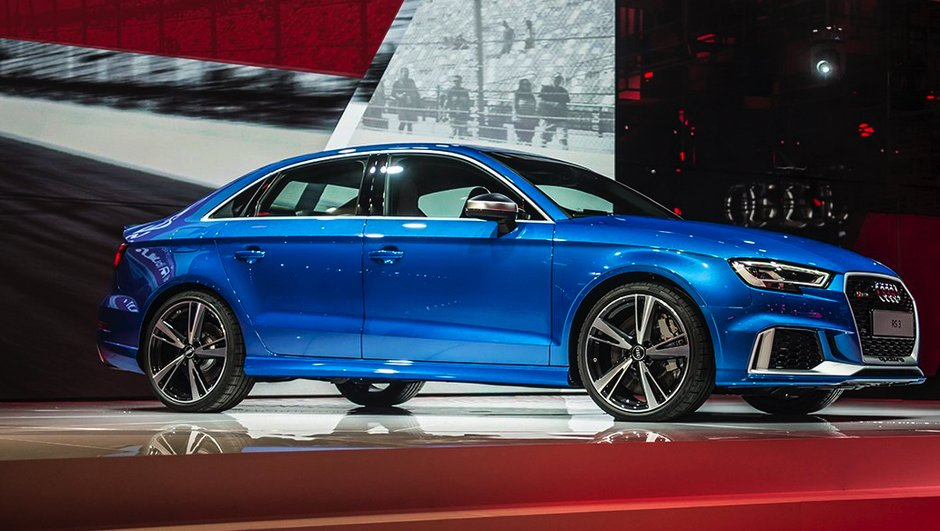 l-audi-rs3-berline-400-chevaux-capot-4810136
