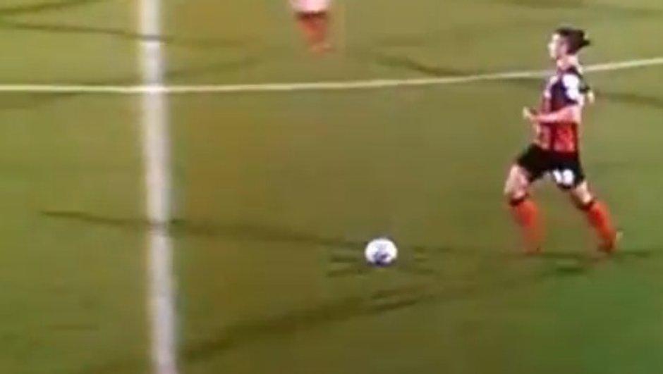 video-insolite-perd-perruque-plein-match-7773530