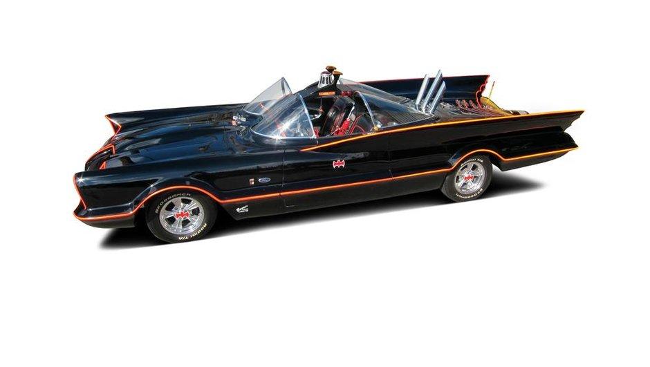 Insolite : La Batmobile de 1966 adjugée 3,5 millions d'euros !