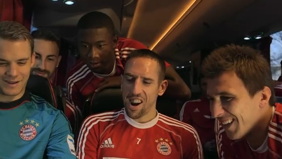 video-insolite-tour-de-magie-de-ribery-neuer-9904730