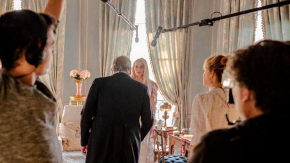 Le Bazar de la Charité – Julie de Bona en tournage pour une nouvelle fiction événement