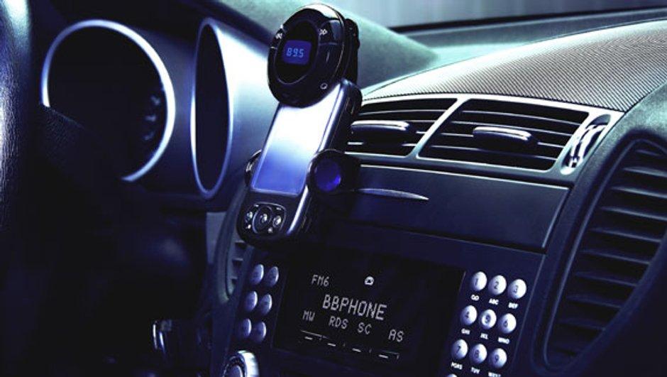 bbphone-revolution-kits-main-libre-4368547