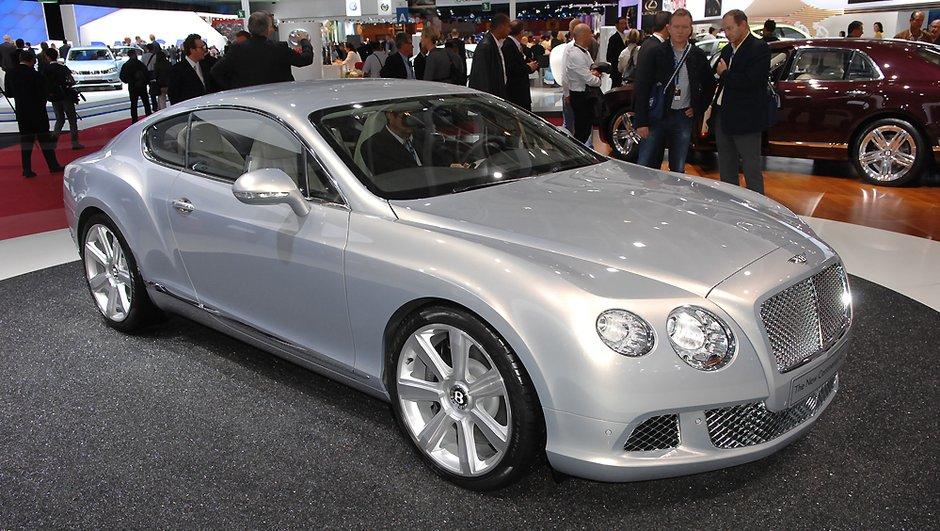Sa Majesté la Bentley Continental GT en voyage officiel au Mondial de l'Auto