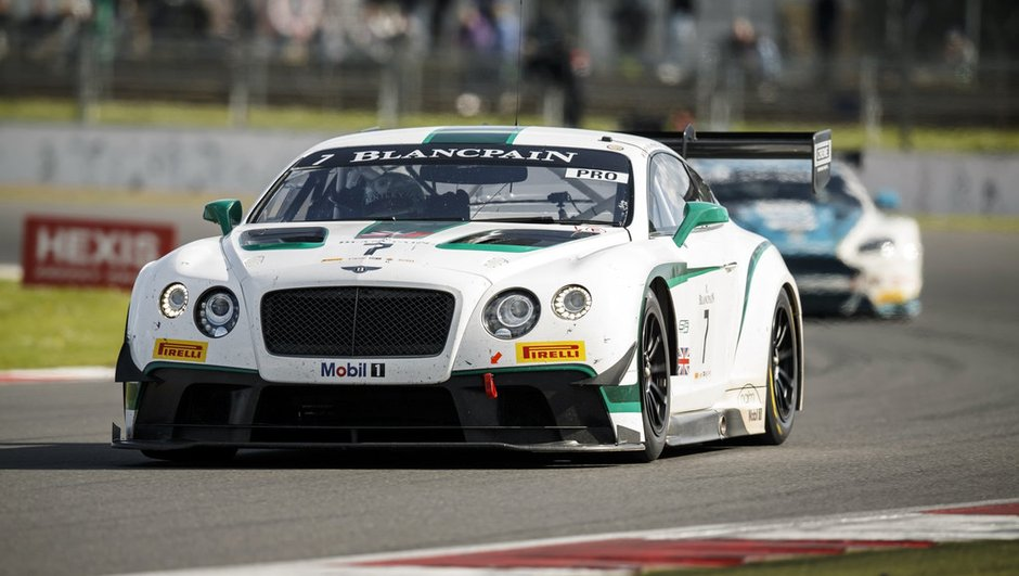 Bentley s'attaque aux 24 Heures du Nürburgring 2015