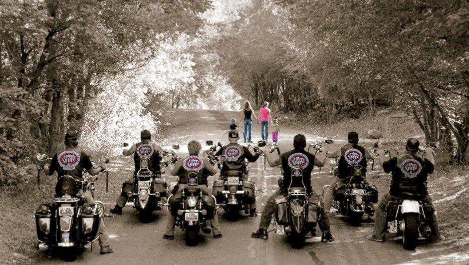 insolite-bikers-s-engagent-contre-maltraitance-enfants-9739280