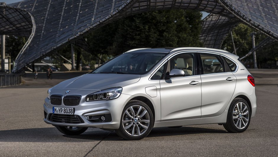 BMW 225xe Active Tourer 2016 : le monospace passe à l'hybride rechargeable