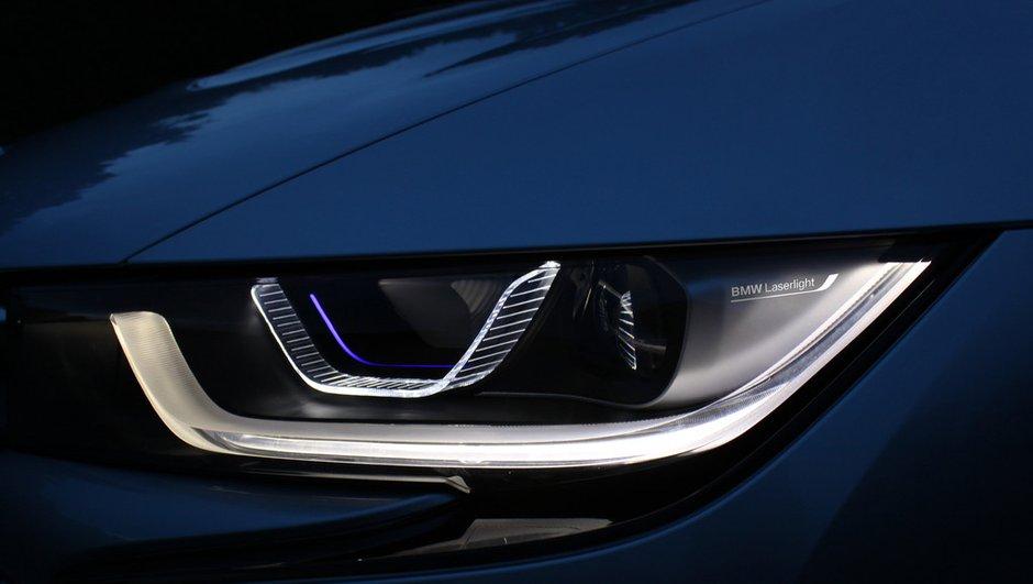 BMW i8 : la première voiture à phares laser débarque à l'automne