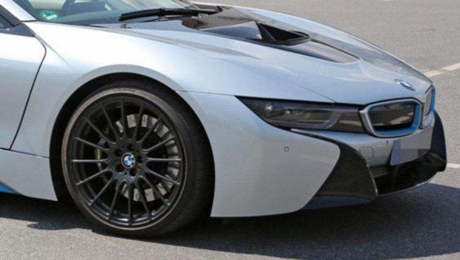 Scoop : la future BMW i8 S aperçue sur la route ?