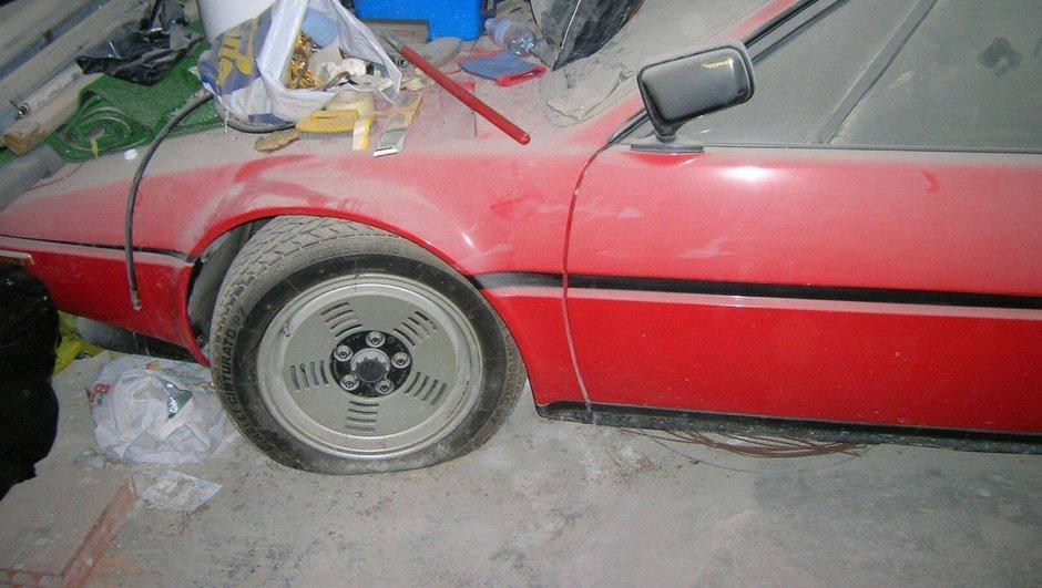 une-rare-bmw-m1-retrouvee-apres-passe-34-ans-un-garage-7354521