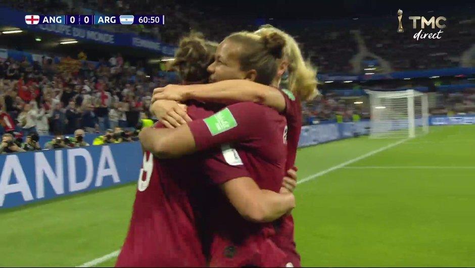 Angleterre-Argentine : L'ouverture du score de Taylor
