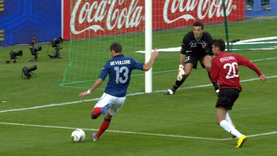 But de Réveillère : France 3 - 0 Albanie, 66ème