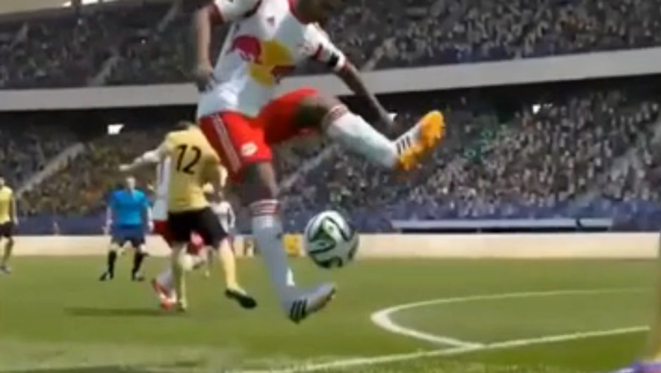 Vidéo FIFA 15 : Le plus beau but de l'histoire du jeu ?