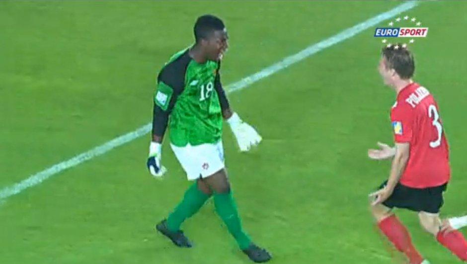 Insolite : le but d'un gardien à la Coupe du Monde U17 en vidéo