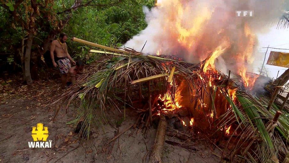 Incroyable ! La cabane des Jaunes prend feu !