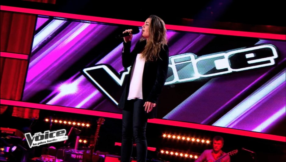 "The Voice : Laura Chab' ballade les coachs avec "" People Help The People "" de Birdy"