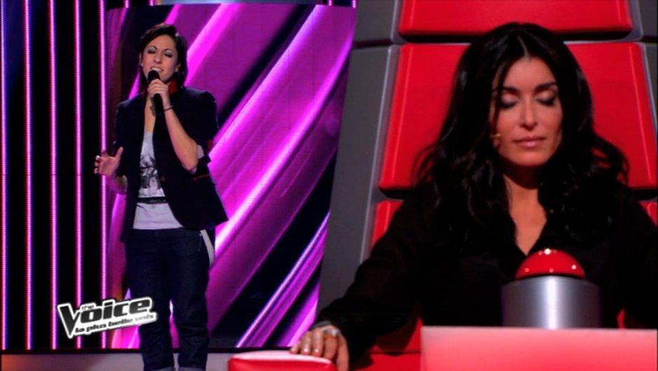 """The Voice : Victoria telle une reine avec """"Enough is enough"""" de Donna Summer"""