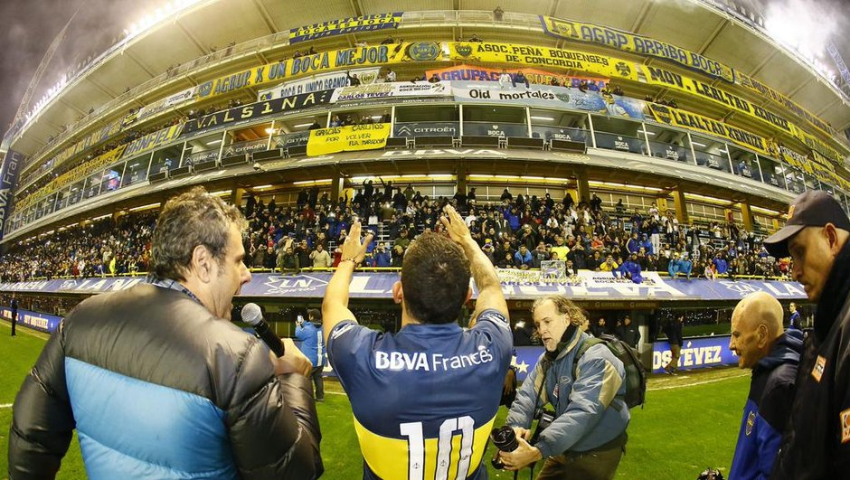 VIDEO: Carlos Tevez accueilli en vrai héros par Boca Juniors