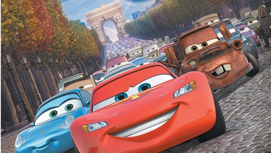Trophée Cars : une course de voitures à pédales sur les Champs-Elysées !