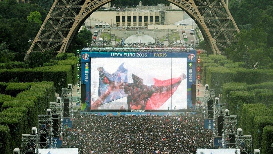La tour Eiffel fermée samedi et dimanche pour cause de retransmission de la finale sur écran géant !