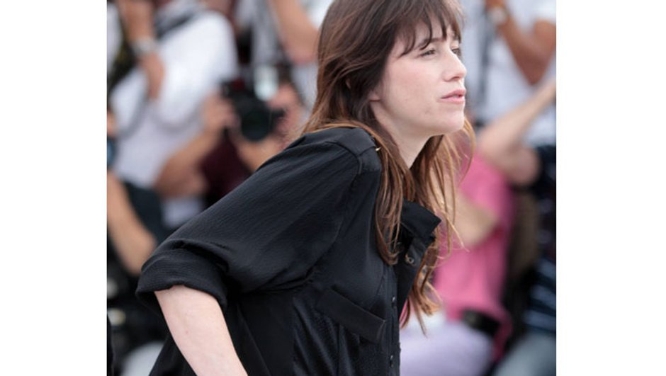 cannes-charlotte-gainsbourg-enceinte-radieuse-4648520