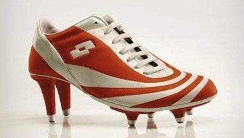 Insolite : la chaussure de foot pour femmes