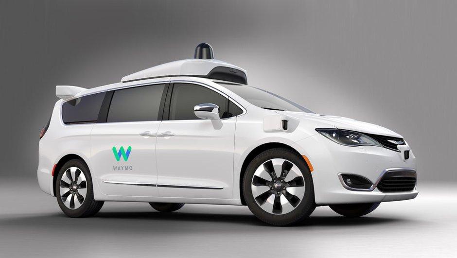 Via Waymo, la Google Car a repris vie dans le Chrysler Pacifica