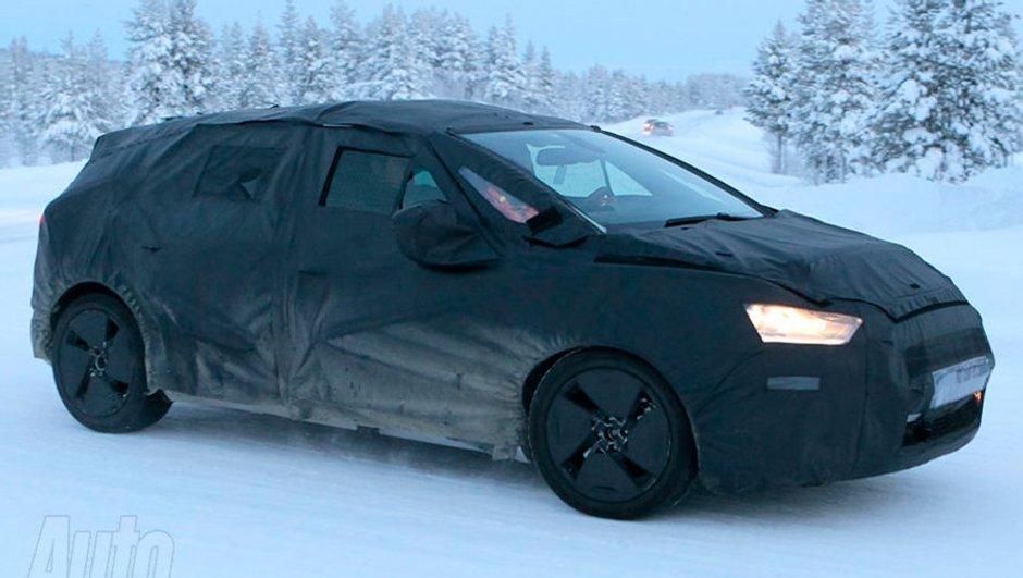 La Citroën DS5 photographiée en essai sur la neige