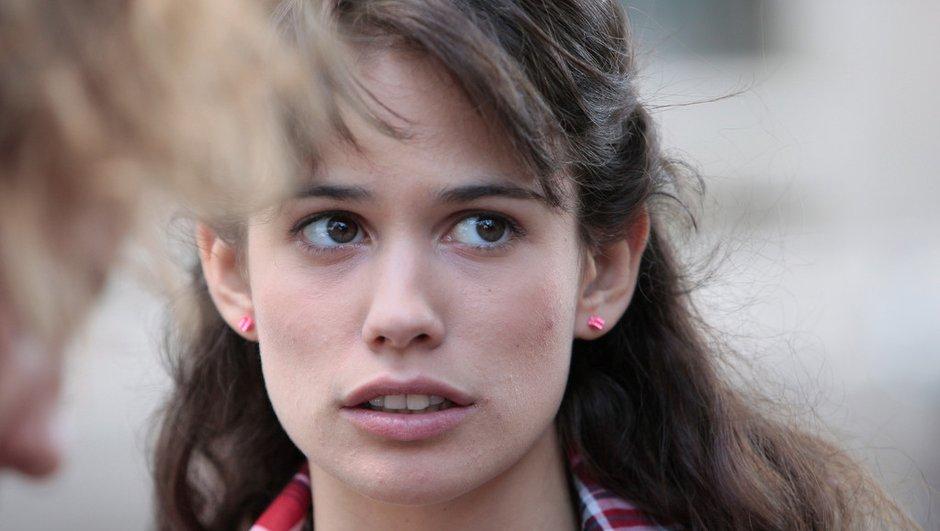 Une jeune femme accouche devant le téléfilm Clem !