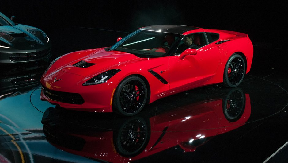 Corvette Stingray 2013 : premier exemplaire à un million de dollars !
