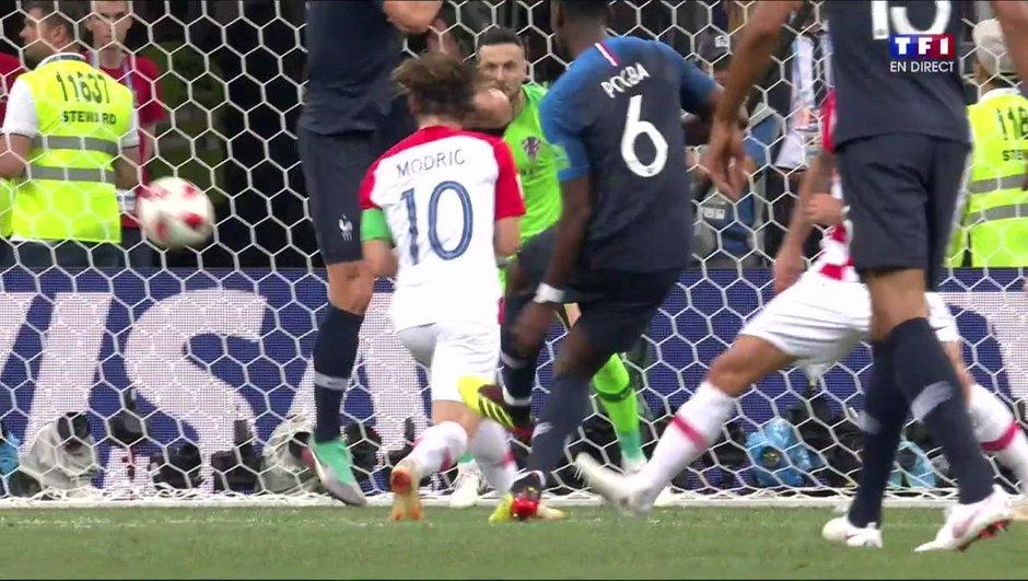 VIDÉO - France-Croatie : le but en deux temps de Pogba pour le 3-1