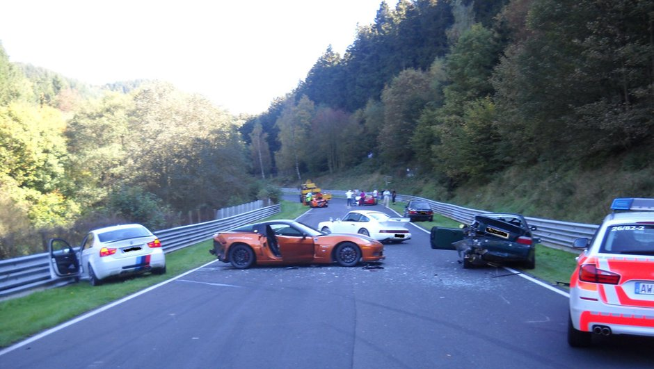 Crash au Nürburgring : 8 voitures impliquées et explications