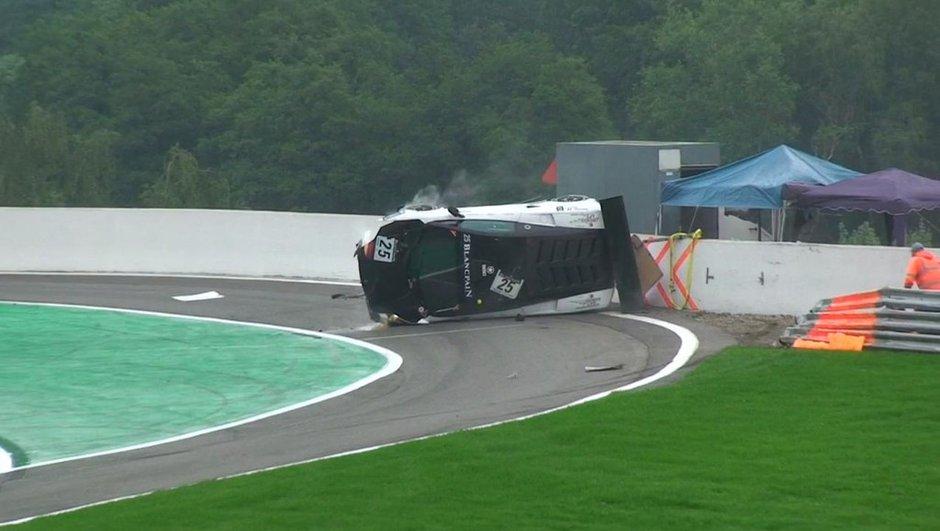 Insolite : un crash Lamborghini aux 24h de Spa 2011